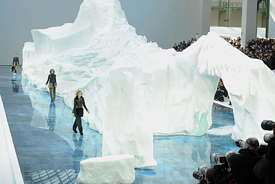 Lagerfeld's Iceberg Genius - Chanel, Paris Fashion Week AW 2010, Photo: Getty Images